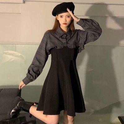 港风连衣裙设计感内搭收腰小黑裙春装2021新款港风气质显瘦白