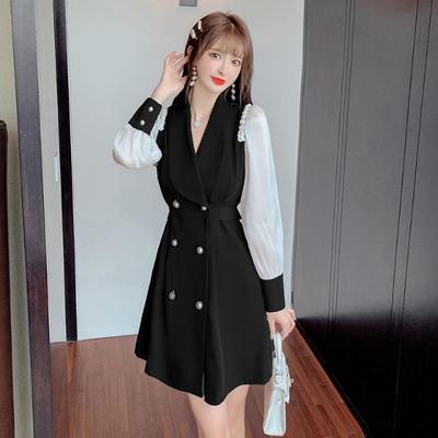 75341/2021秋季新款修身显瘦珍珠双排扣风衣外套爆款网纱拼接长款连衣裙