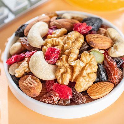 每日坚果混合坚果罐装核桃腰果仁孕妇儿童补脑坚果零食单罐装