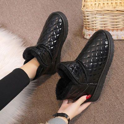 皮面雪地靴女2021年冬季新款网红短筒百搭加厚绒保暖防水防滑棉鞋
