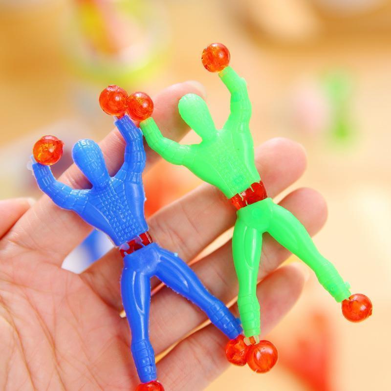 爬墙蜘蛛人地摊玩具礼品超人整蛊吸盘玩具益智粘粘手掌吸盘解压