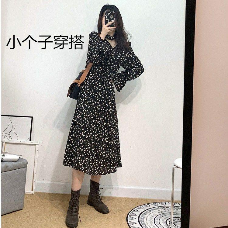 【高质量】小个子连衣裙女秋装2020年新款复古V领黑色碎花长袖裙