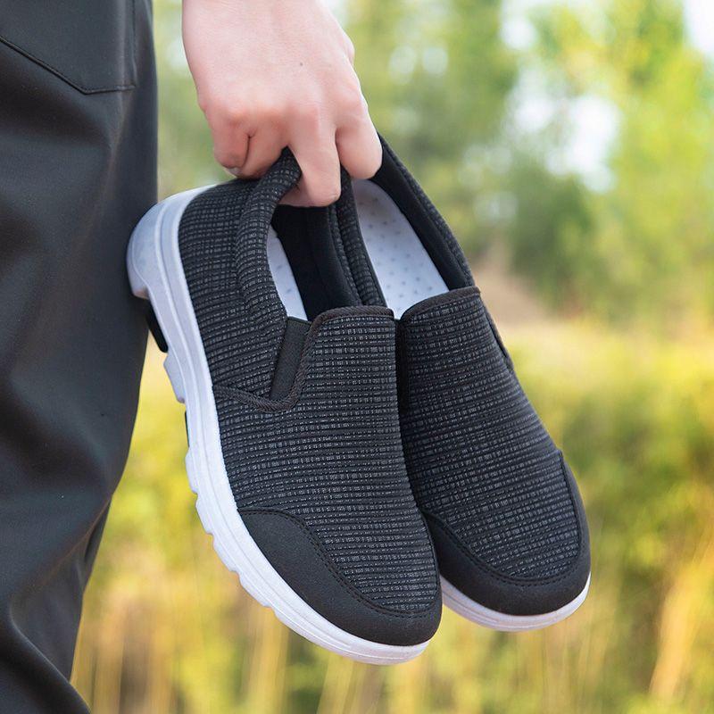 老人鞋男士防滑一脚蹬中老年休闲运动鞋透气软底爸爸鞋老北京布鞋