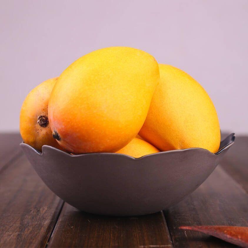 海南小台农芒果应季热带新鲜水果树上熟台芒整箱批发包邮非贵妃芒
