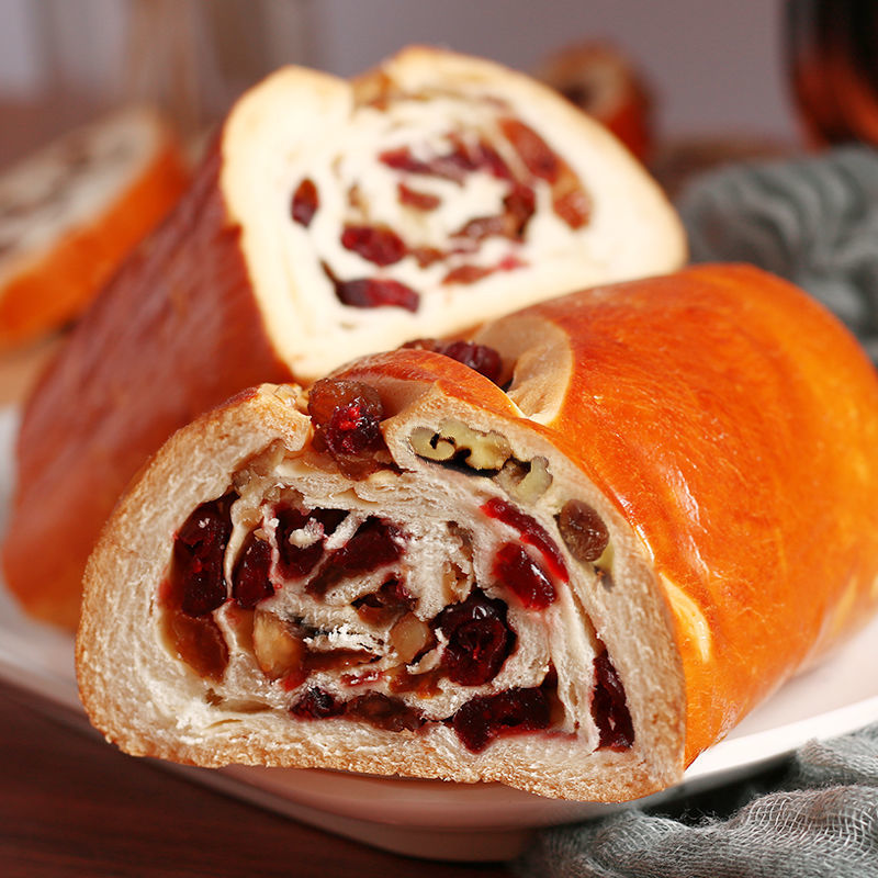 大列巴面包切片俄罗斯风味全麦杂粮面包营养早餐坚果代餐吐司糕点
