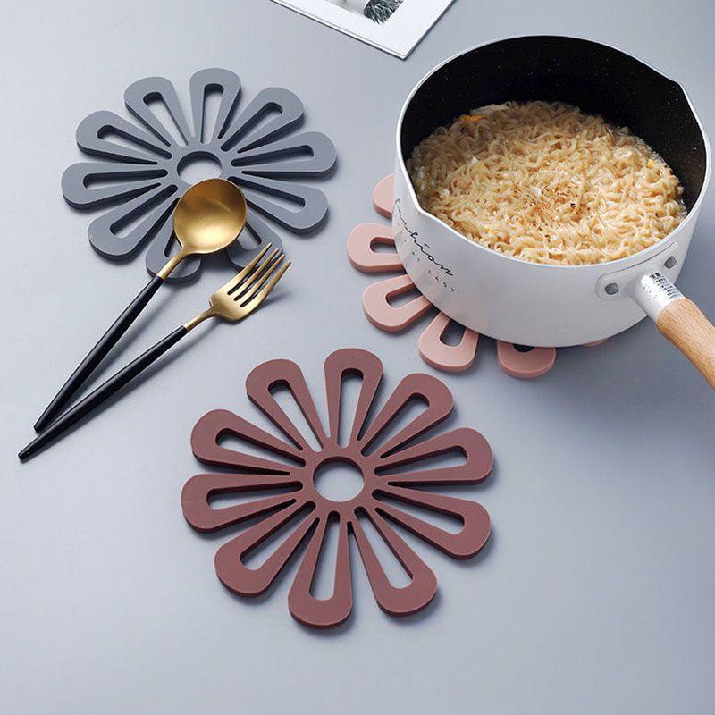 餐桌耐脏防烫隔热垫家用杯垫高级防油轻奢加厚锅垫耐温ins盘子垫