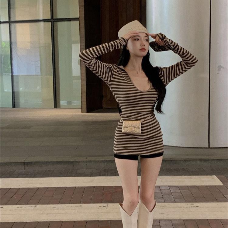 75866-复古港风条纹T恤女秋季v领纯欲修身内搭打底衫2021年新款长袖上衣-详情图