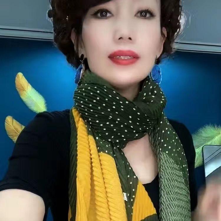 新款褶皱爆款丝巾女秋冬季百搭披肩围巾两用印花压皱时尚时尚纱巾