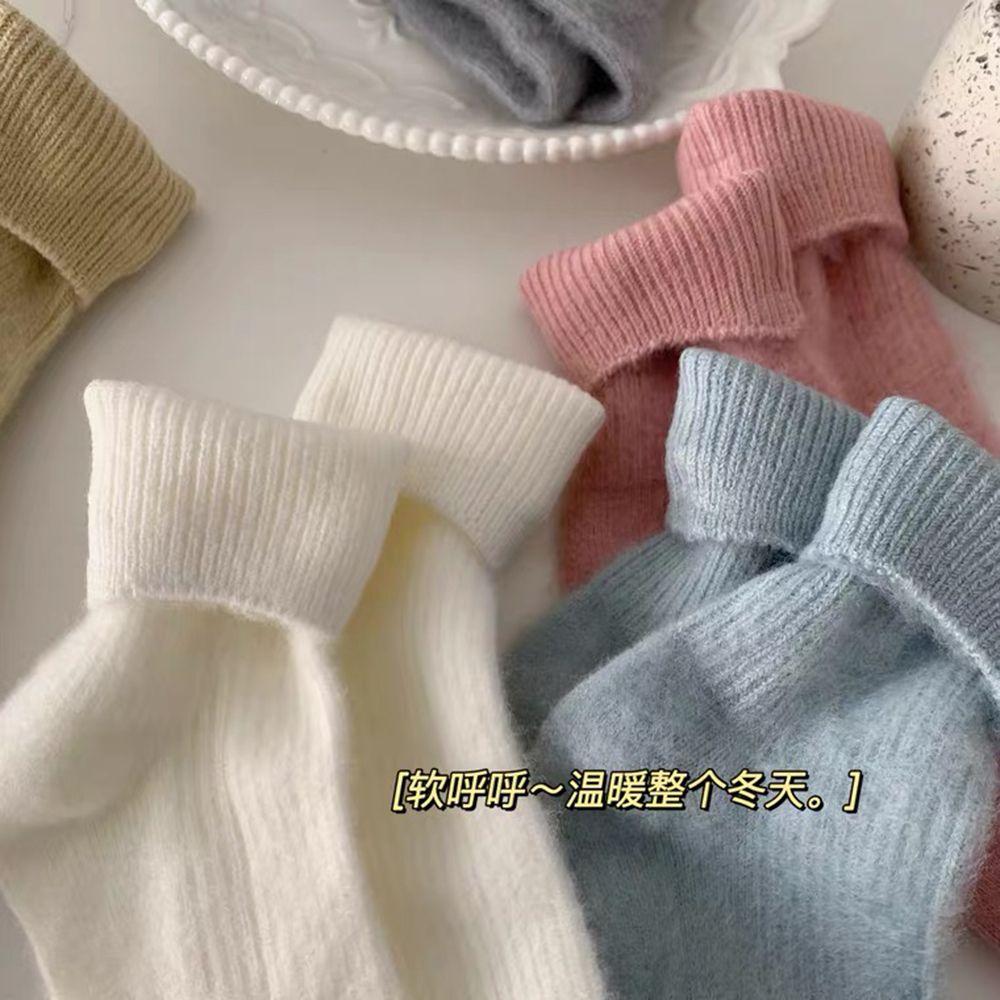 毛绒加厚中筒袜子韩版袜子女ins潮百搭秋冬保暖简约纯色加绒棉袜