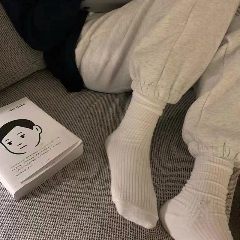 袜子女中筒韩版ins潮秋季堆堆袜黑白色长袜百搭纯色日系网红袜子