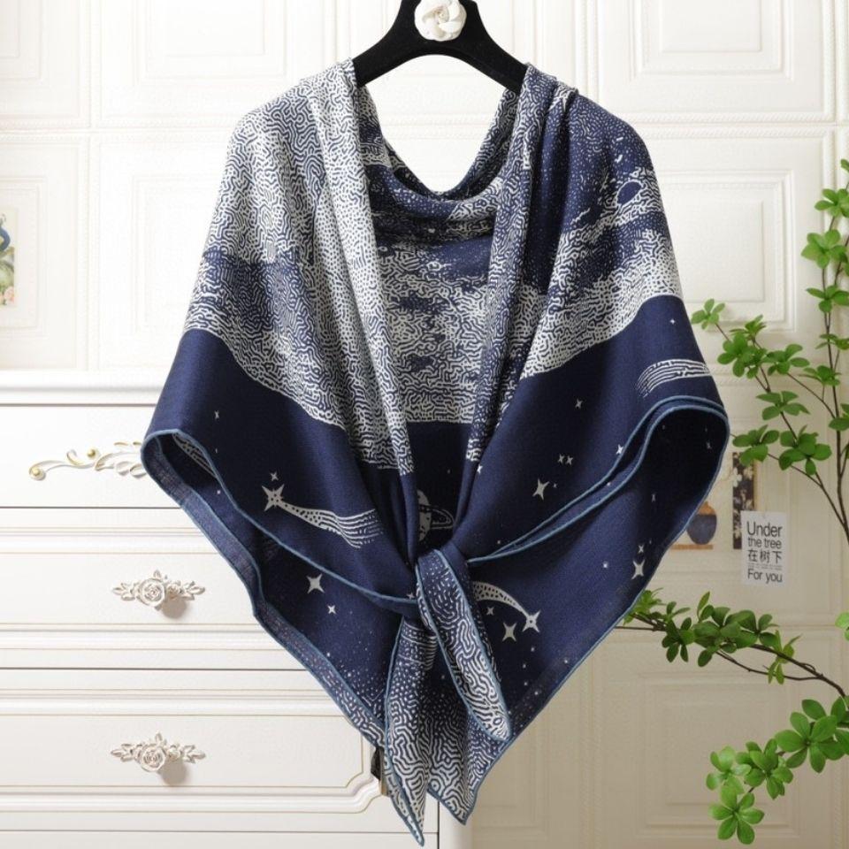 21高端品代购披肩护颈椎秋冬保暖方巾真丝羊绒大衣外搭专柜正品单