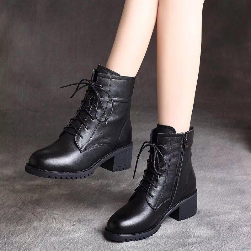 2021年冬季新款马丁靴女真软皮加绒英伦风中跟粗跟短靴百搭棉靴子