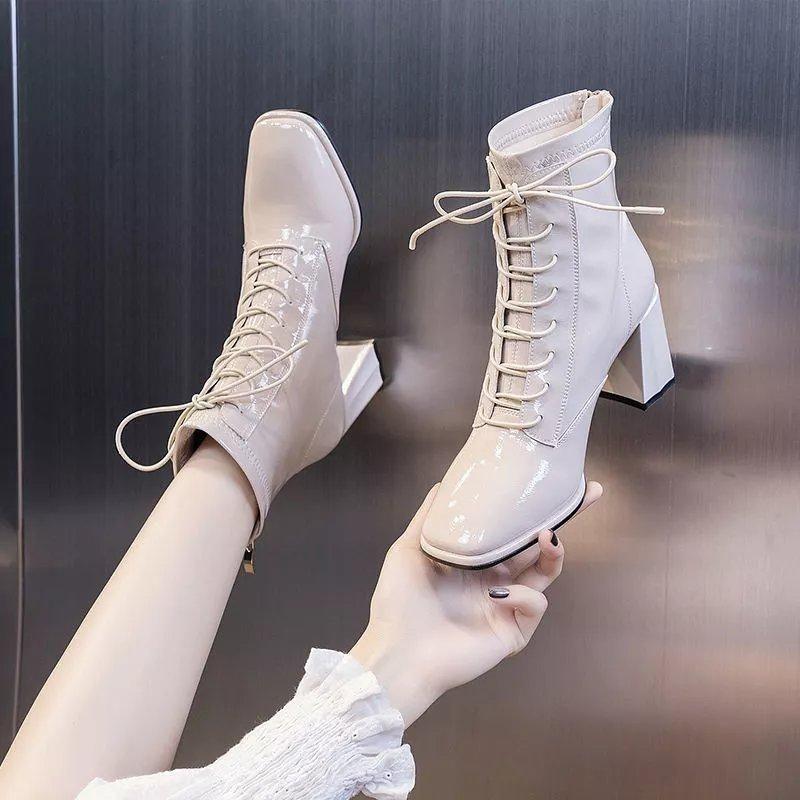马丁短靴子女2021年新款秋季秋冬款英伦风百搭粗跟中跟高跟鞋米色