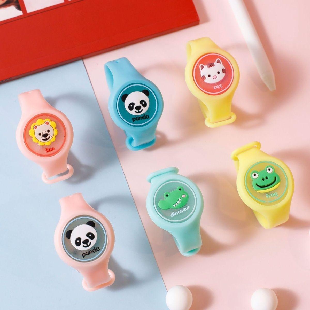 夏季热卖发光卡通儿童驱蚊手环彩色可调节款电子彩光亮灯防蚊手表